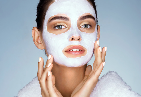 Masque peau sensible : le choisir et l'appliquer