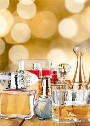 bouteilles de parfums eaux de toilettes et extraits