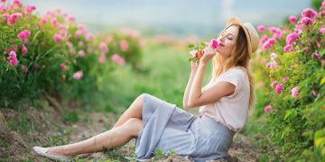 femme dans jardin