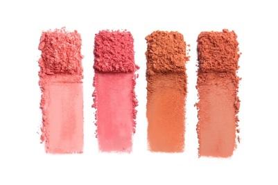 poudres maquillage de couleurs différentes