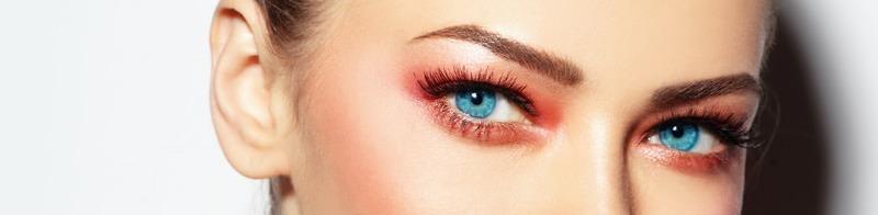 maquillage femme yeux bleus