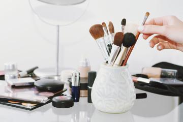 pinceaux et matériel maquillage