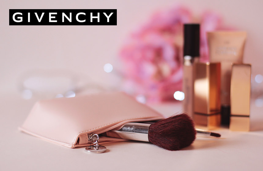 Votre trousse nude Givenchy